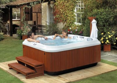 2-Person-Hot-Tub