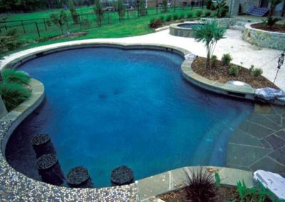 gunite_pool_with_bar_seating